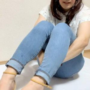 薄いブルーのジーンズコーデ☆