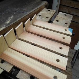 折り畳み式飾り棚