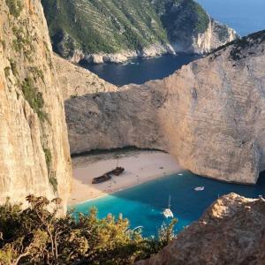 紅の豚のあの浜辺を見にギリシャに行って青春した話