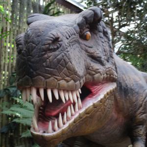 【沖縄ドライブ旅】ナゴパイナップルパークで保護されている恐竜たち。そもそも沖縄に恐竜はいたのか~旅行記その8