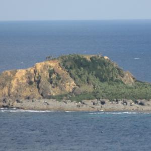 小宝島・竹の山山頂へ。小中学校が再開された島の神社・発電所・淡水化施設|2016年 トカラ列島旅行記 その13