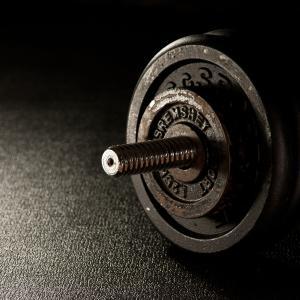 男性におすすめなホームトレーニング用、トレーニング器具4選