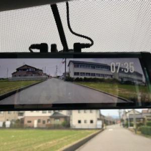 【キャンパーおすすめ!】山積みになったキャンプ道具で車の後方を確認出来ない時はMAXWIN(マックスウィン) デジタルインナーミラーがおすすめ!!