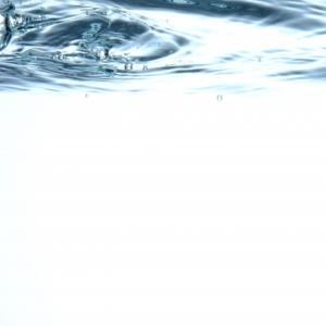 登山やキャンプで使用する機器でよく目にする防水規格IPXとは?