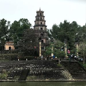 ダナン旅行2日目②(フエ観光)トゥドゥック帝廟・ティエンムー寺