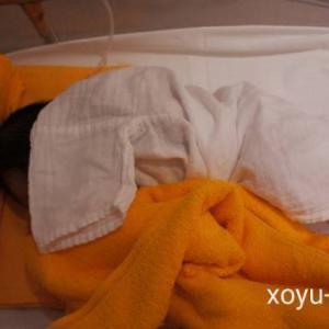 【生後10日目】計画授乳から自律授乳になりました。そして母は尾骨痛に悩まされています。