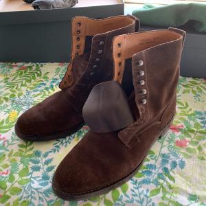 冬靴を準備しないと。
