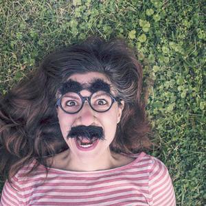 眼鏡好きの心理!メガネフェチな男性と女性の性格や特徴とは?