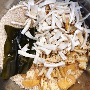 カナダで芳しい松茸ご飯&日本のより臭うカマンベールチーズ