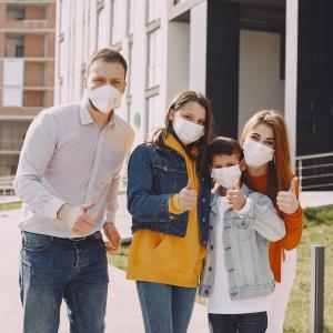 マスクは、ファッションアイテムその日に合わせて使い分け