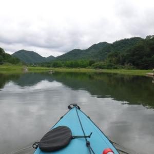 ダム湖を周遊