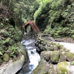 神奈川県愛川町の塩川滝は、マイナスイオン全開でリフレッシュできるマル秘スポット♬