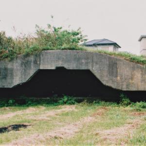 戦争遺跡~③館山海軍航空隊の掩体壕・「戦闘指揮所」地下壕など