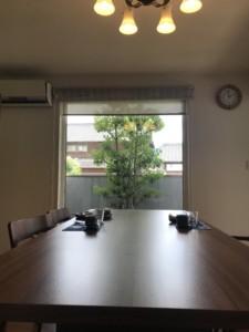 テーブルは、気持ちの広がりをもたらす