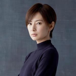 北川景子、デビュー後初ショートヘア。