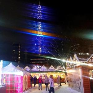 札幌市 散策記事 201912 / フラッシュを使用して雪降る夜空を