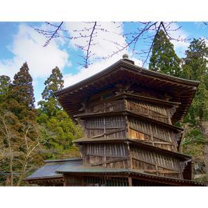 会津さざえ堂(円通寺三匝堂):二重らせん構造の回廊を持つ,不思議な木造建築
