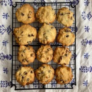 一度にプレーンタイプ&チョコ味のクッキーを作ります