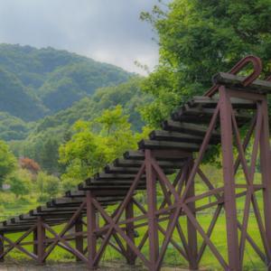 「線路が空へ伸びている!」銀河鉄道を模した旧富内駅へ行こう!