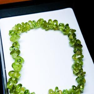 綺麗なグリーンブレスレット!ペリドット石