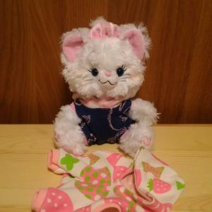 ピンクイチゴ猫スーツ