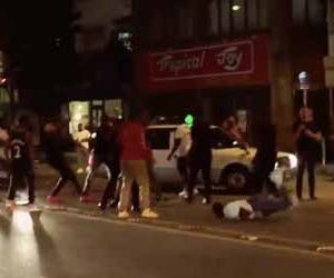 沖縄の繁華街で米軍の兵士達が集団で大喧嘩するストリートファイト