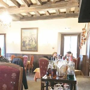 友達がアンティーク屋さんをオープンしました@Rochfort en terre France