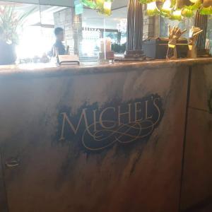 【食レポ】ハワイ『ミッシェルズ』でサンセットディナー|沈む夕日とともに味わう食事は最高でした!