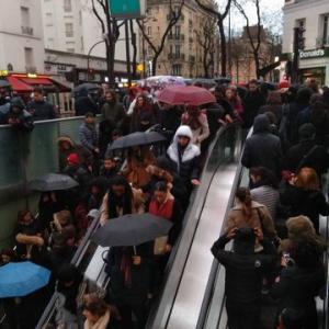 12月★ミニチュア【ブッシュ・ド・ノエル】今日も続行のフランスのストライキで粘土教室が危うし!