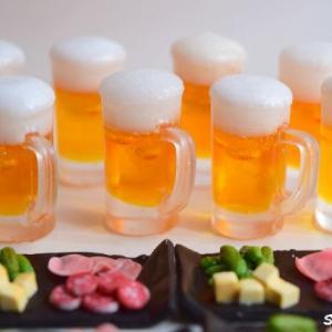 ミニチュア『ビールのつまみ』を急いで作った理由は…。サラミ、オリーブ、ピクルス、チーズ