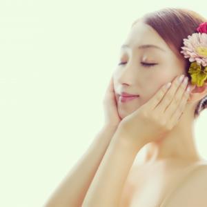 【お肌の再生】ヒト幹細胞培養液エステの効果。IKKOおすすめの美容アイテムも紹介!