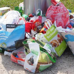 「ゴミ」を捨てるのは無料ではない!終活の落とし穴