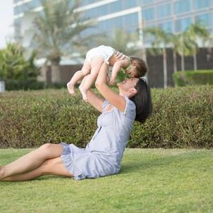 【4ヶ月の赤ちゃんと一緒にお散歩】どこに行く?最低限持っていくモノ