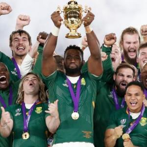 ラグビーワールドカップ 決勝 3位決定戦   南アフリカ優勝 うれしい