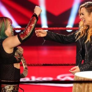 WWE RAW   ベッキー・リンチ 王座返上 アスカが新王者  その理由は・・・・・
