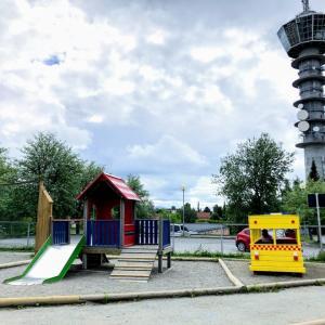 ノルウェーの保育園で外遊び1【Tower kindergarten】