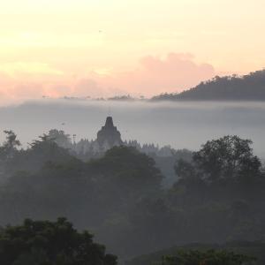 ジョグジャカルタで絶対訪れるべき「おすすめ観光スポット9選」|世界遺産や大自然を満喫♪
