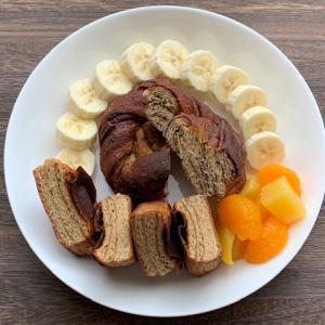 完全栄養食 ベースブレッド BASE BREADの楽しみ方 フルーツ添えプレート