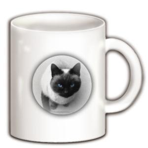 DOKONJYOUシャム猫スシ子 Blue eyes マグカップ(ホワイト)