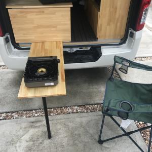 車中泊車 最終製作 リアテーブル、左側サイドテーブルを