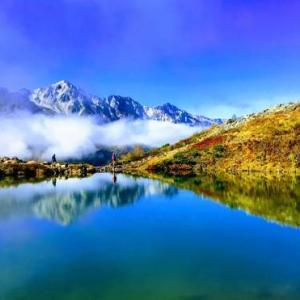 【八方池】池に映る紅葉と白馬三山!初心者でも行ける絶景のトレッキング!