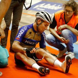 カヴェンディッシュがトラックレースで時速70kmで落車。ティッセンが重傷を負う。