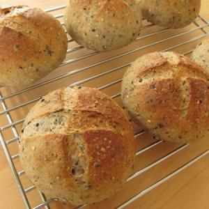 セサミブレッド ~たっぷりなごまのパン~