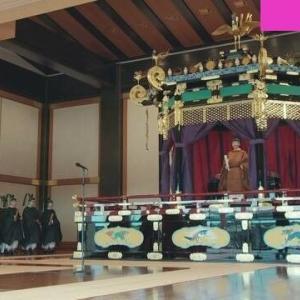 即位礼正殿の儀にて 安倍首相「天皇陛下バンザーイ!」~ネットの反応「天皇陛下には親しみがあるが、これは気持ち悪い」「昔日本人を不幸にしただけのスローガンやん」