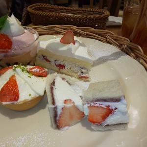 Afternoon Tea🍓苺のアフタヌーンティーセット