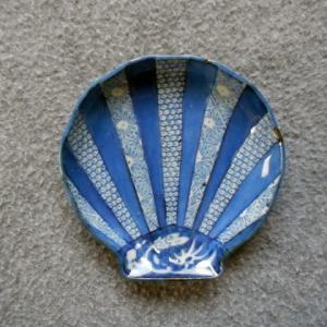 回想の古伊万里 48(染付帆立貝形小皿)