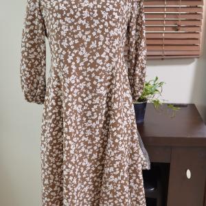 50代コーデ:チェックブラウスにジャンパースカート。サロンの新商品です