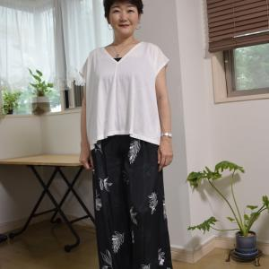 【50代コーデ】柄物で簡単コーディネート!夏らしい柄で季節感も!サロンのお洋服から。