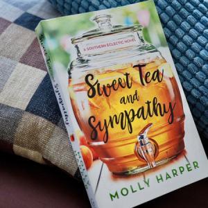 Sweet Tea and Sympathy (Molly Harper)