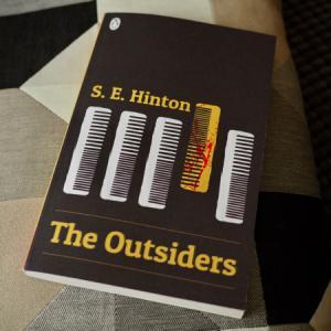 「この世界は素晴らしい」と訴え続けることの必要性 The Outsiders (S.E. Hinton)